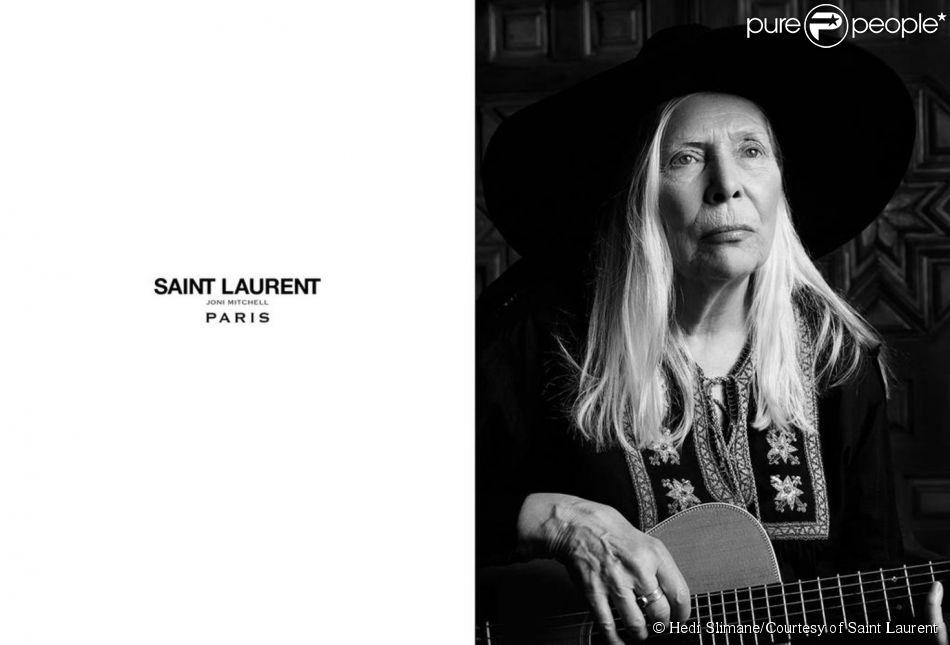 L'icône Joni Mitchell photographiée par Hedi Slimane pour le Music Project du créateur pour Saint Laurent Paris, janvier 2015.