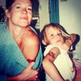 Melanie Griffith et sa fille Dakota Johnson exhibent leurs tatouages. Photo datant de 1993.