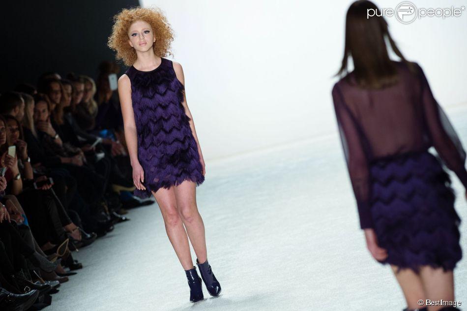 Anna Ermakova, la fille de Boris Becker, défile pour Riani lors de la Fashion Week de Berlin. Le 20 janvier 2015.