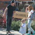 Exclusif - Drew Barrymore, son mari Will Koppleman et leur fille Olive quittent le restaurant The Sycamore Kitchen à Los Angeles. Le 23 janvier 2015.