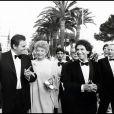 Roger Hanin, son épouse, Jack Lang et Gilles Jacob à Cannes en 1982.