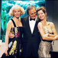Sylvie Loeillet, Roger Hanin et Cyrielle Claire à Paris en septembre 2001.