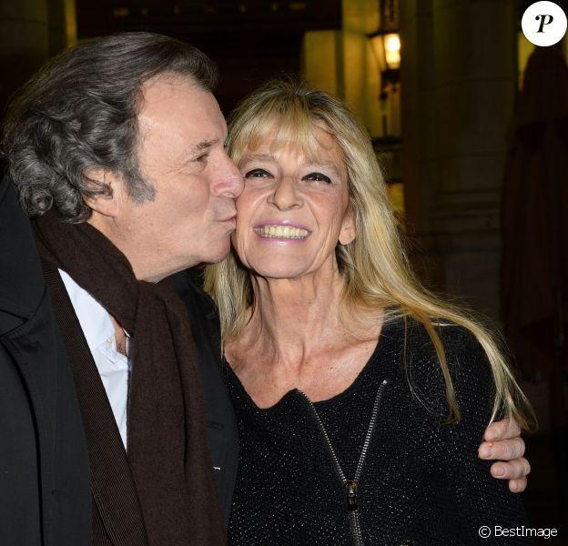 """Exclusif - Daniel Russo et sa femme Lucie assiste à la Générale du nouveau spectacle """"Ma vie rêvée"""" de Michel Boujenah au Théâtre Edouard VII à Paris, le 24 novembre 2014."""