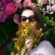 """Denitsa Ikonomova - Première bataille de fleurs sur la Promenade des Anglais lors du 131ème carnaval de Nice """"Roi de la Musique"""", avec une partie des membres de """"Danse avec les stars"""", le 18 février 2015."""