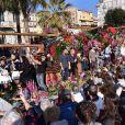 """Première bataille de fleurs sur la Promenade des Anglais lors du 131ème carnaval de Nice """"Roi de la Musique"""", avec une partie des membres de """"Danse avec les stars"""", le 18 février 2015."""