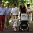 La princesse Madeleine de Suède avec sa nièce la princesse Estelle et la famille royale à la Villa Solliden, été 2014