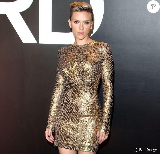 Scarlett Johansson sexy au défilé Tom Ford Automne/Hiver à Los Angeles, le 20 février 2015