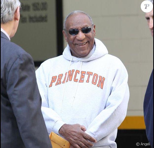 Bill Cosby très élégant dans les rues de New York le 15 avril 2010