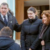 Obsèques de Gérard Calvi : L'adieu de son fils Yves, avec sa femme et sa fille