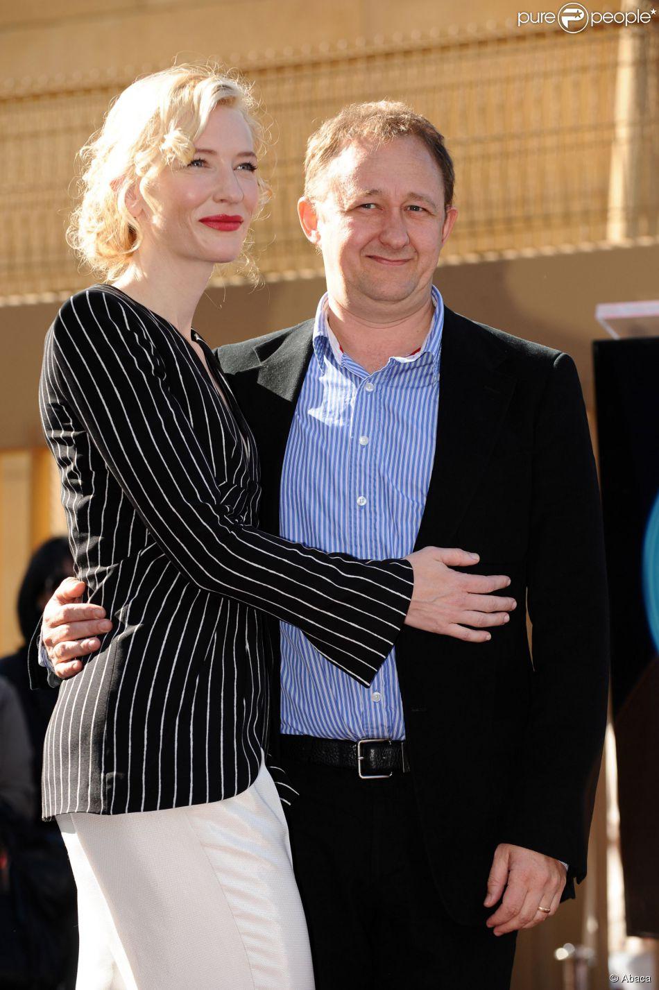 Cate Blanchett sur le Hollywood Walk of Fame avec son mari Andrew Upton, Los Angeles, le 5 décembre 2008.