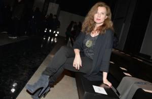Fashion Week : Valérie Trierweiler, chic et attentive au défilé Paul & Joe