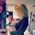 Stéphanie Clerbois (Secret Story 4) fait un selfie avec son fils Lyam.