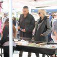 Ashlee Simpson enceinte se rend au local Farmers Market avec son mari Evan Ros à Los Angeles, le 8 février 2015