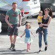 Exclusif - Ian Ziering fait du shopping avec sa femme Erin Ludwig et ses filles Mia et Penna, à Hollywood, le 14 mars 2015