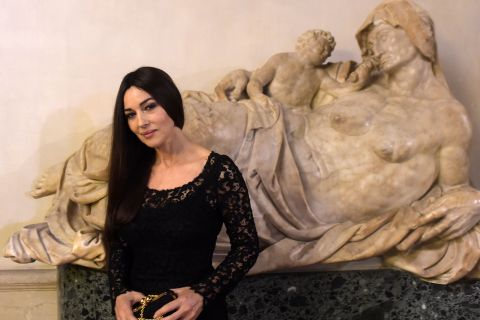 Monica Bellucci : La James Bond Girl est une sublime gourmande...