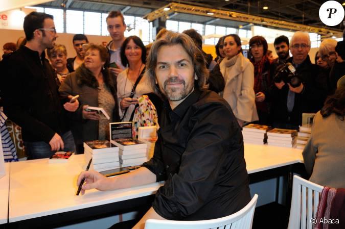Aymeric caron au salon du livre la porte de versailles for Salon zen porte de versailles 2015