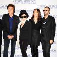 Paul McCartney, Yoko Ono, Olivia Harrison et Ringo Starr à l'avant-première du documentaire sur George Harrison, à Londres, le 1er octobre 2011.