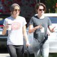 Exclusif - Kristen Stewart se promène avec Alicia Cargile dans les rues de West Hollywood, le 28 mars 2015