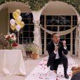 John Legend et sa femme Chrissy Teigen marient leurs deux chiens Puddy et Pippa pour la bonne cause, le 1er avril 2015 sur Youtube