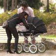 Exclusif - Giuseppe Polimeno et Hinda promènent leur fille Giulia, née le 24 février, dans les jardins du port Canto à Cannes. Le 4 avril 2015.