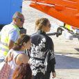 Exclusif - Mariah Carey quitte Saint-Barthélemy en Kimono le 30 mars 2015.