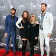 "Dave Haywood, Hillary Scott, Stevie Nicks et Charles Kelley (Lady Antebellum) - People à la cérémonie des ""Academy Of Country Music Awards"" 2014 à Las Vegas, le 6 avril 2014."