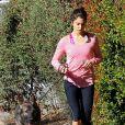 Nikki Reed est allée faire son jogging avec son chien le jour du réveillon à Los Angeles. Le 31 décembre 2014