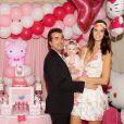 Jade Foret et Arnaud Lagardère pour l'anniversaire de sa fille Mila (1 an). Mars 2015.