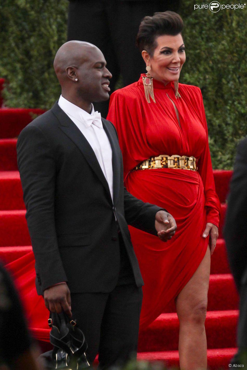 Kris Jenner et Corey Gamble quittent le Metropolitan Museum of Art à l'issue du Met Gala 2015. New York, le 4 mai 2015.