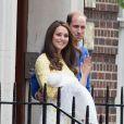 Le prince William et la duchesse Catherine ont quitté mercredi 6 mai 2015 le palais de Kensington avec leurs enfants le prince George et la princesse Charlotte de Cambridge pour rejoindre leur maison de campagne dans le Norfolk, Anmer Hall, à Sandringham.