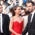 """Natalie Portman et son mari Benjamin Millepied - Montée des marches du film """"La Tête Haute"""" pour l'ouverture du 68e Festival du film de Cannes, le 13 mai 2015."""