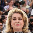 """Catherine Deneuve - Photocall du film """"La tête haute"""" (hors compétition) lors du 68e festival de Cannes le 13 mai 2015."""