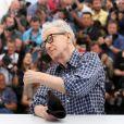 """Woody Allen - Photocall du film """"L'Homme irrationnel"""" (""""Irrational Man"""") lors du 68e Festival international du film de Cannes le 15 mai 2015"""
