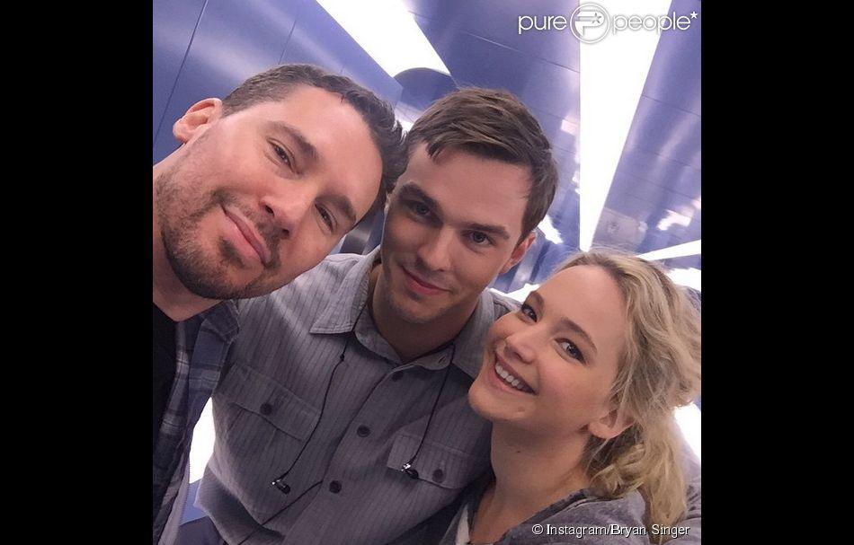 Bryan Singer a posté sur Instagram une photo de lui et ses acteurs Jennifer Lawrence et Nicholas Hoult qui tournent dans X-Men - Apocalypse