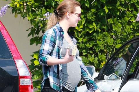 Leighton Meester, enceinte : Ventre rond et sourire lumineux au côté de son mari