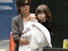 PHOTOS : Katie Holmes, sa fille a un doudou... taille XL !
