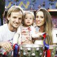 Ivan Rakitic en famille pour fêter le titre du Barça le 23 mai 2015 au Camp Nou.