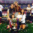 Claudio Bravo en famille pour fêter le titre du Barça le 23 mai 2015 au Camp Nou.