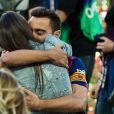 Xavi Hernandez et sa femme Nuria fêtent le titre du Barça le 23 mai 2015 au Camp Nou.