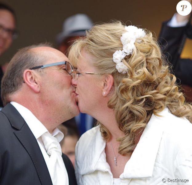 Exclusif - Mariage de Véronique et Thierry (L'amour est dans le pré, saison 9) à Valençay. Parmi les invités figuraient les anciens participants de l'émission. Le 23 mai 2015.