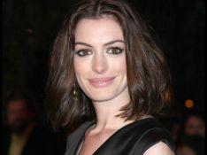 REPORTAGE PHOTOS : La belle Anne Hathaway refuse de s'engager dans une relation amoureuse...