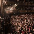 """Exclusif - Prix Special - No web - No blog - Concert caritatif de Johnny Hallyday pour l'association de sa femme """"La Bonne Etoile"""", qui vient en aide aux enfants du Vietnam, au Trianon a Paris, le 15 decembre 2013."""
