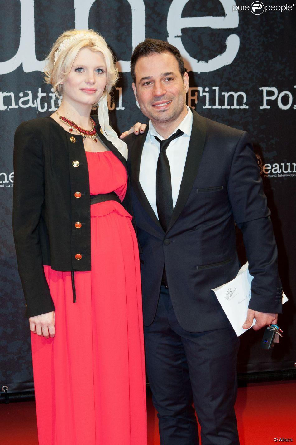 Mario Barravecchia (Star Academy 1) et sa compagne, enceinte, lors de l'ouverture du festival international du film de Beaune le 25 mars 2015