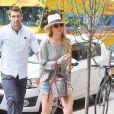 Jennifer Lawrence et son bodyguard à New York le 10 juin 2015.
