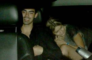 Gigi Hadid en couple avec Joe Jonas : Le baiser qui officialise !