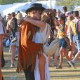"Gigi Hadid et son petit-ami Cody Simpson très amoureux lors 3ème jour du Festival ""Coachella Valley Music and Arts"" à Indio, le 11 avril 2015.  Celebrities at Day 3 of first weekend of The Coachella Valley Music and Arts Festival in Coachella, California on April 11, 2015.11/04/2015 - Indio"