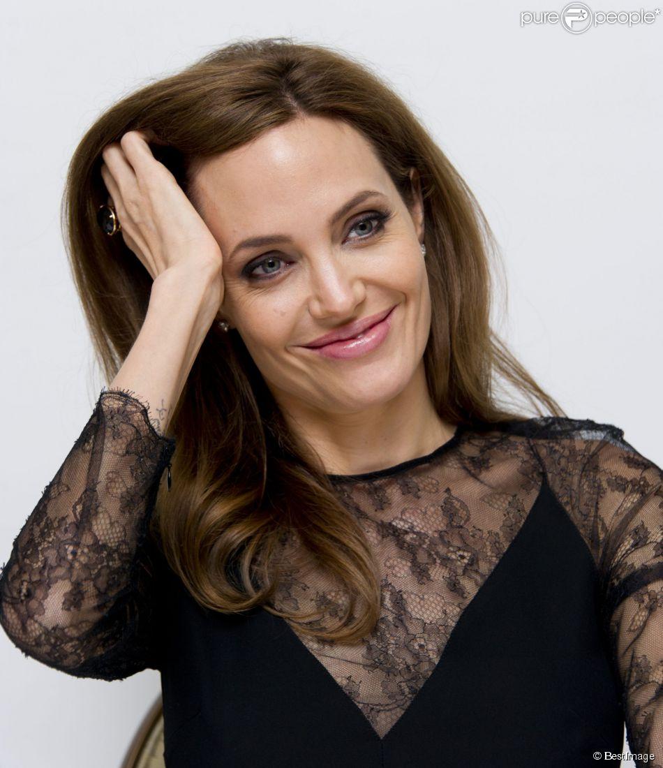 """Angelina Jolie - Conférence de presse du film """"Maléfique"""" (Maleficent) à l'hôtel Four Seasons à Beverly Hills, le 20 mai 2014."""