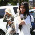 Kylie Jenner fait du shopping chez Fred Segal avec une amie à West Hollywood, le 17 juin 2015.  Kylie Jenner is spotted visiting Fred Segal in West Hollywood, California with a friend on June 17, 2015.17/06/2015 - West Hollywood