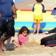 Mariah Carey à la plage avec ses jumeaux Moroccan et Monroe, en Italie, Sardaigne, le 22 juin 2015