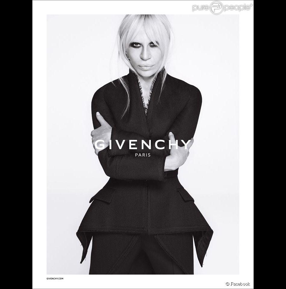 Donatella Versace est la star de la campagne publicitaire automne-hiver 2015-2016 de Givenchy. Photo par Mert et Marcus.